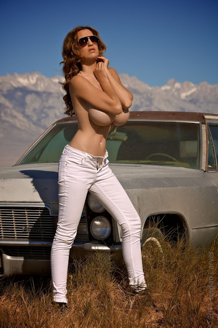 Jordan-Carver-nude-tits-photoshoot-car-dump-image-1