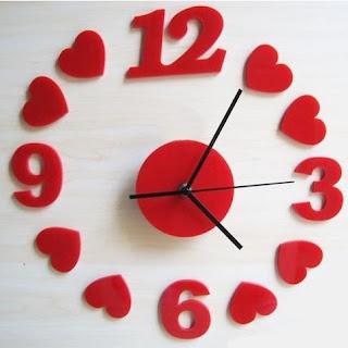 """"""" Love Time الحب والوقت"""