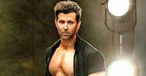 SHIRTLESS PEOPLE: Hrithik Roshan shirtless amazing body ...