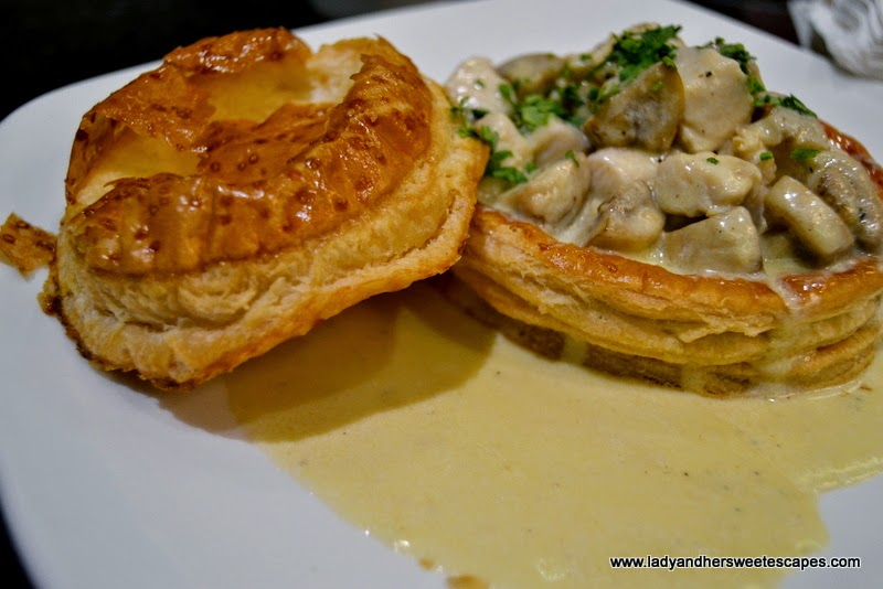RICH Cafe's Braised Chicken Pie