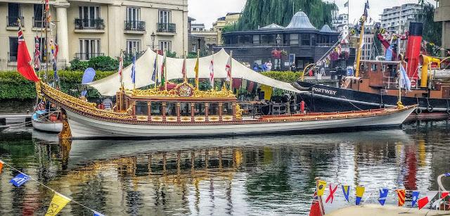 HRH Queen Elizabeth II's Royal Rowbarge