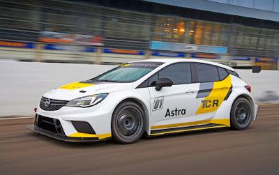 Η Ιταλική ομάδα Target Competition κατεβάζει επτά αυτοκίνητα τουρισμού της Opel