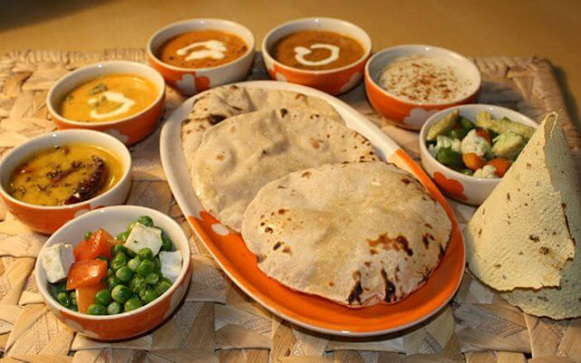 IRCTC e-Catering Food on Track