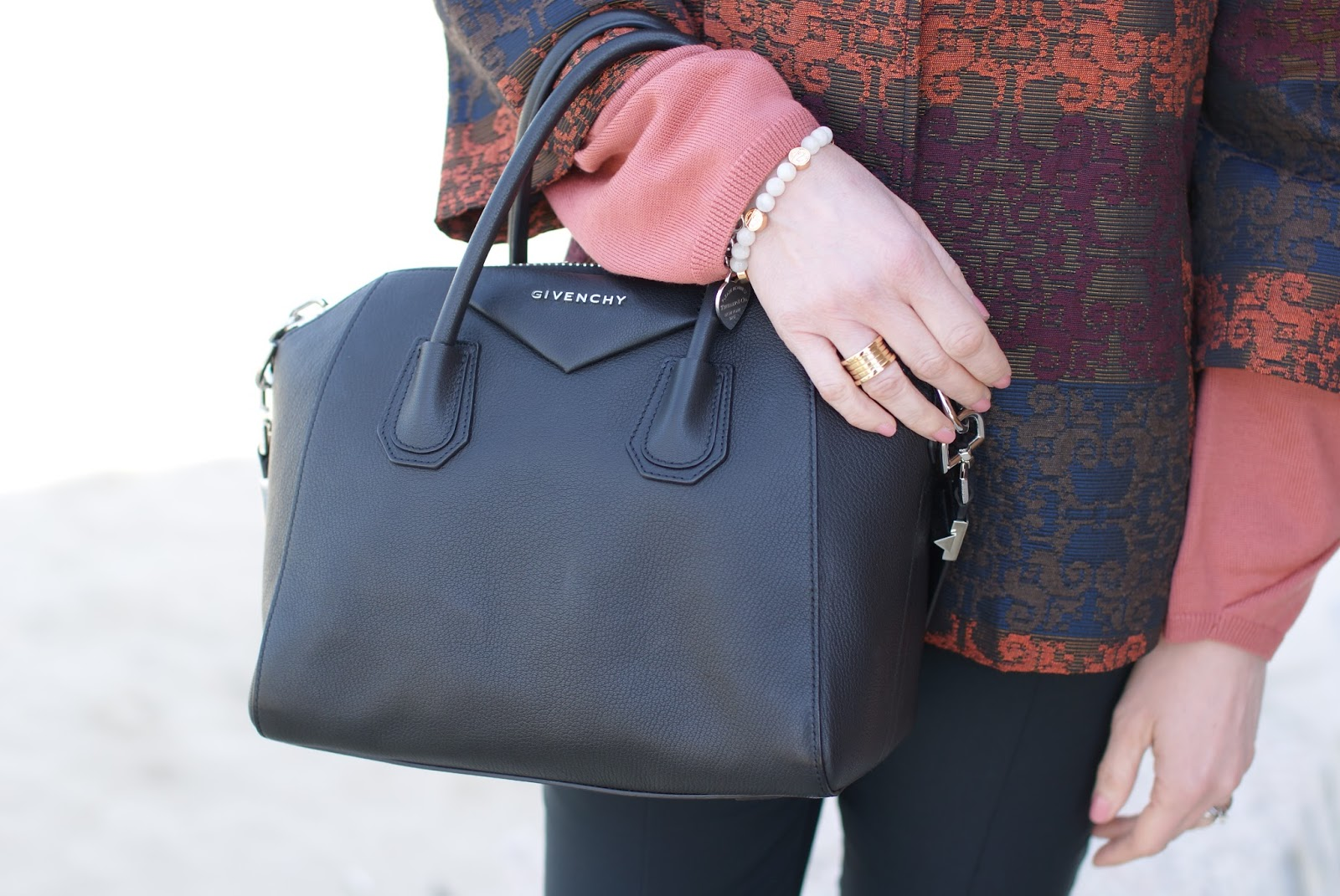 Givenchy Antigona small on Fashion and Cookies fashion blog, fashion blogger style