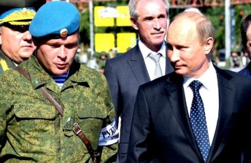 Путин проверяет войска ВДВ