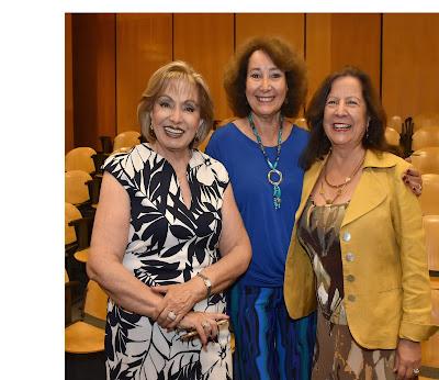 Colegio de Periodistas presente en galardón Lenka Franulic a colega Patricia Politzer