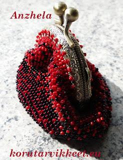 Helmivirkkaus - virkattu pussukka, Toho siemenhelmet, helmilanka, helmikauppa netissä