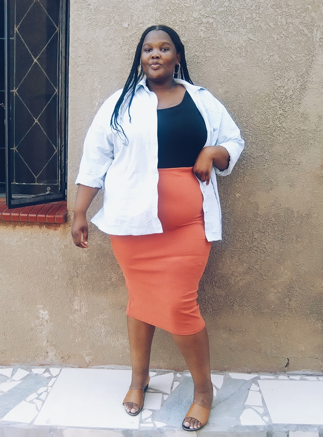 how to style a bodycon skirt plus size