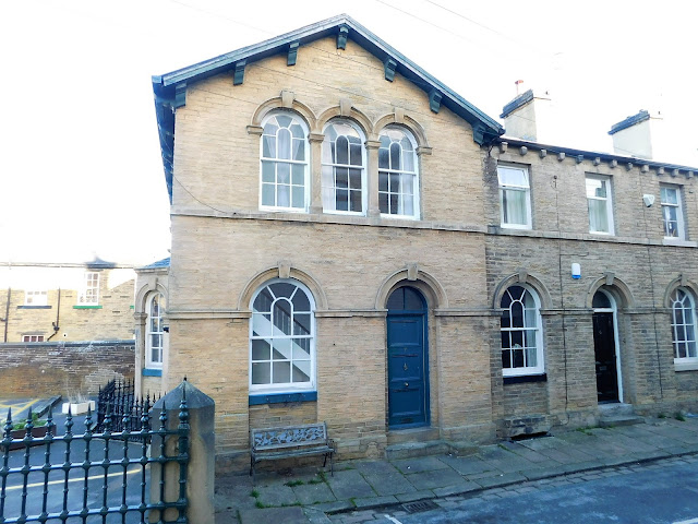 This Is Bradford Property - 2 bed end terrace house for sale Lower School Street, Saltaire BD18