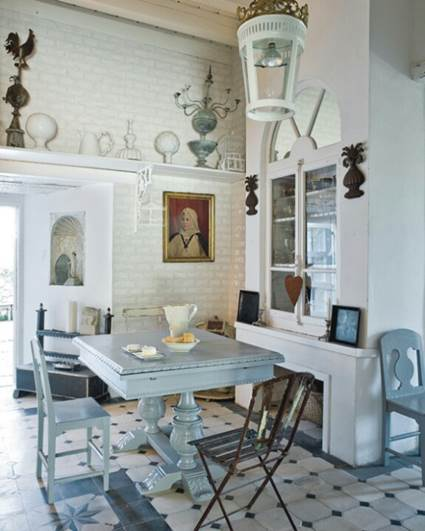A Rustic Provencal Dining Room 3