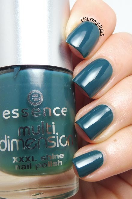 Smalto Essence MultiDimension 64 Trendsetter teal nail polish #essence #nails #unghie #lightyournails