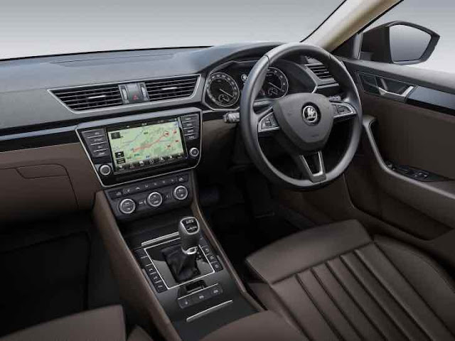2016-Skoda-Superb-Sedan-Interior