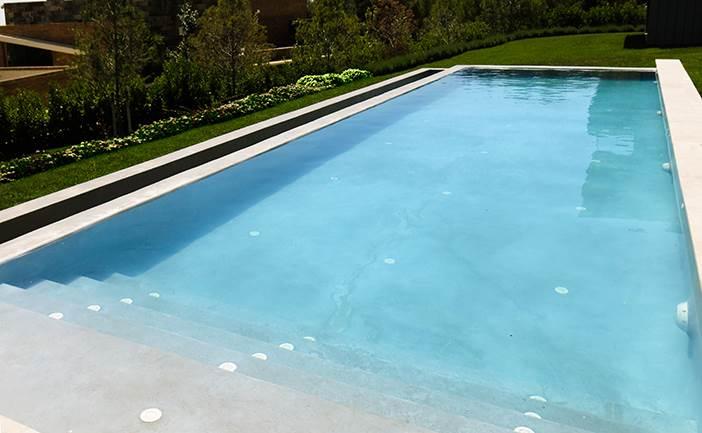 Con decoro piscinas diferentes - Microcemento para piscinas ...