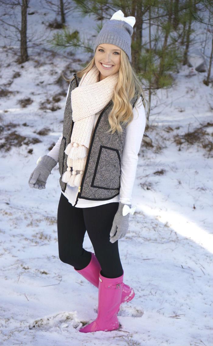 hunter boots, hunters, pink rain boots, rain boots, tassel scarf