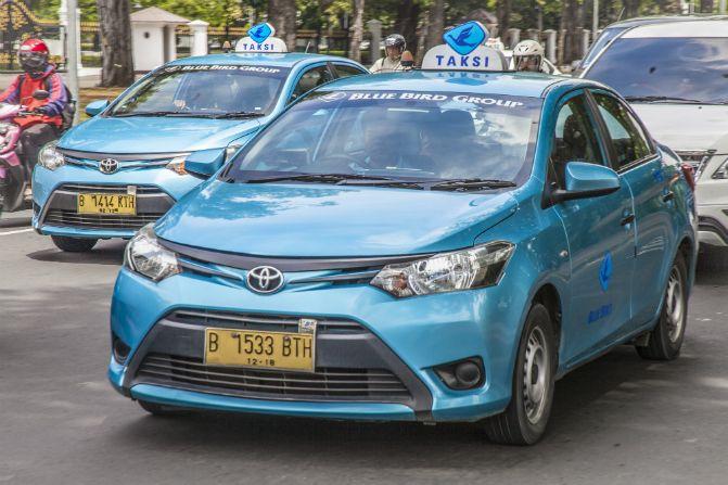 Prediksi Harga Mobil Ex.Taksi Yang Akan Dijual Ke Publik