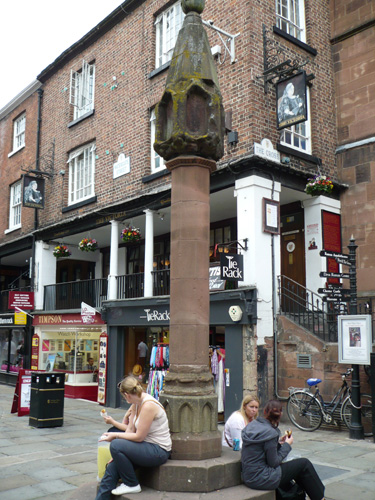 The Victoria Pub at The Cross Chester.