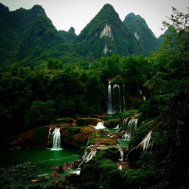 شلالات جيوك ديتيان الحدود الصين