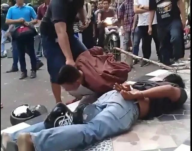 Alamak, 2 Pria Terduga Pencuri Helm di Kampus Unimed Tewas Dimassa