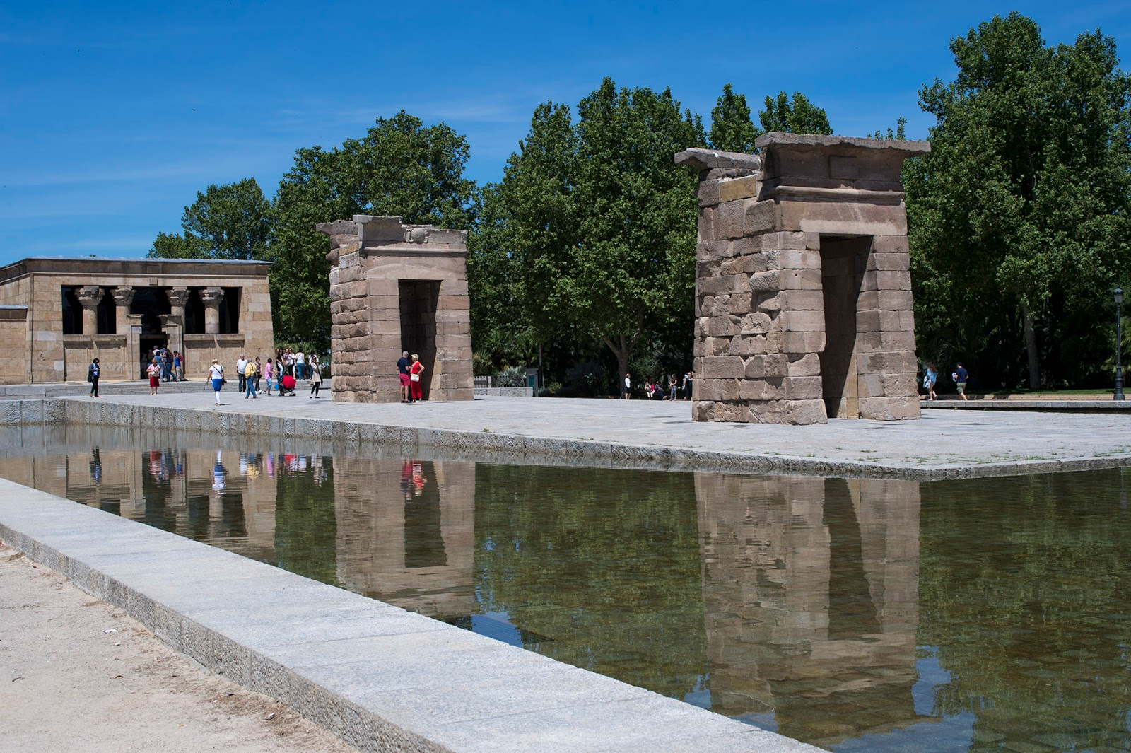 temple debod summer madrid