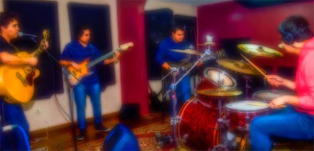 Lábil    Banda de Peruana. Material nuevo