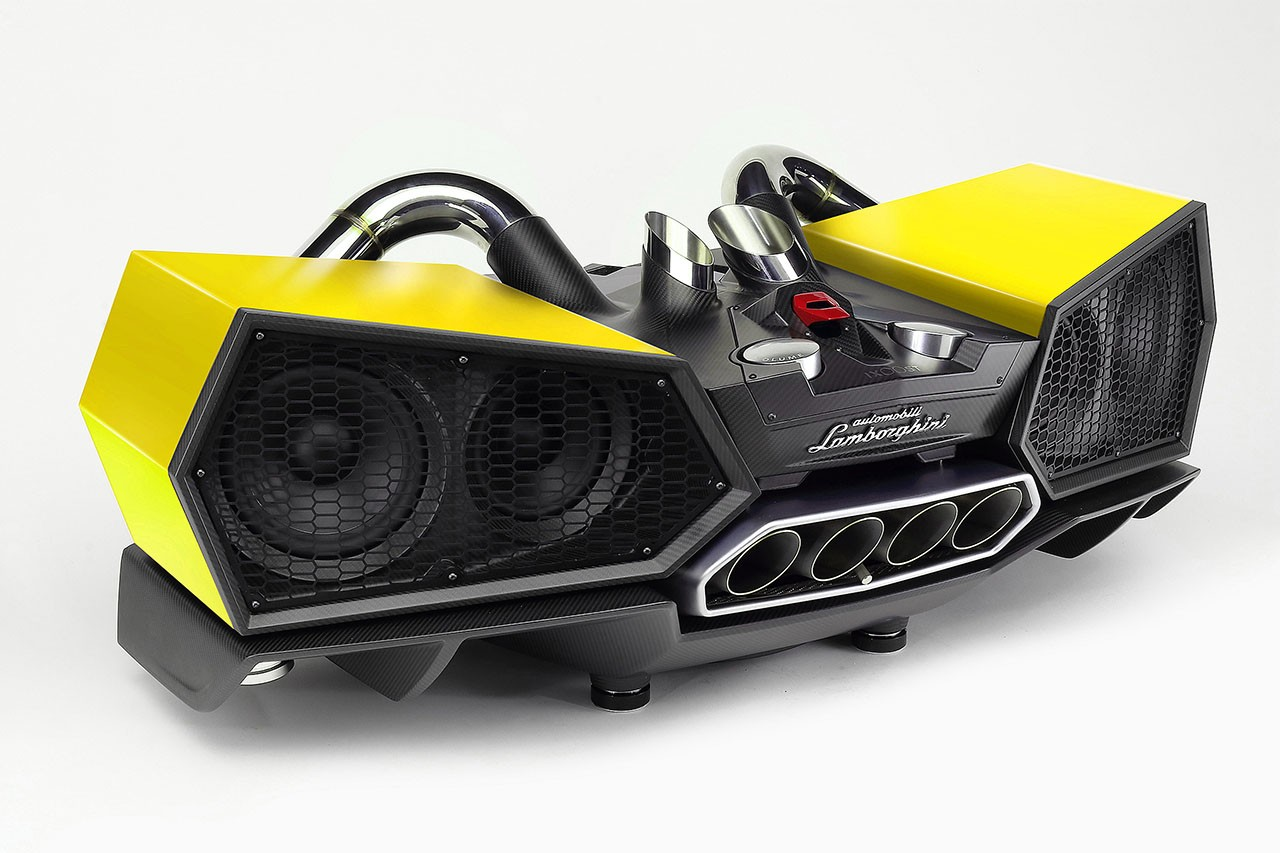 esavox-lamborghini-docking-station-costs-24800-is-made-with-carbon_4.jpg