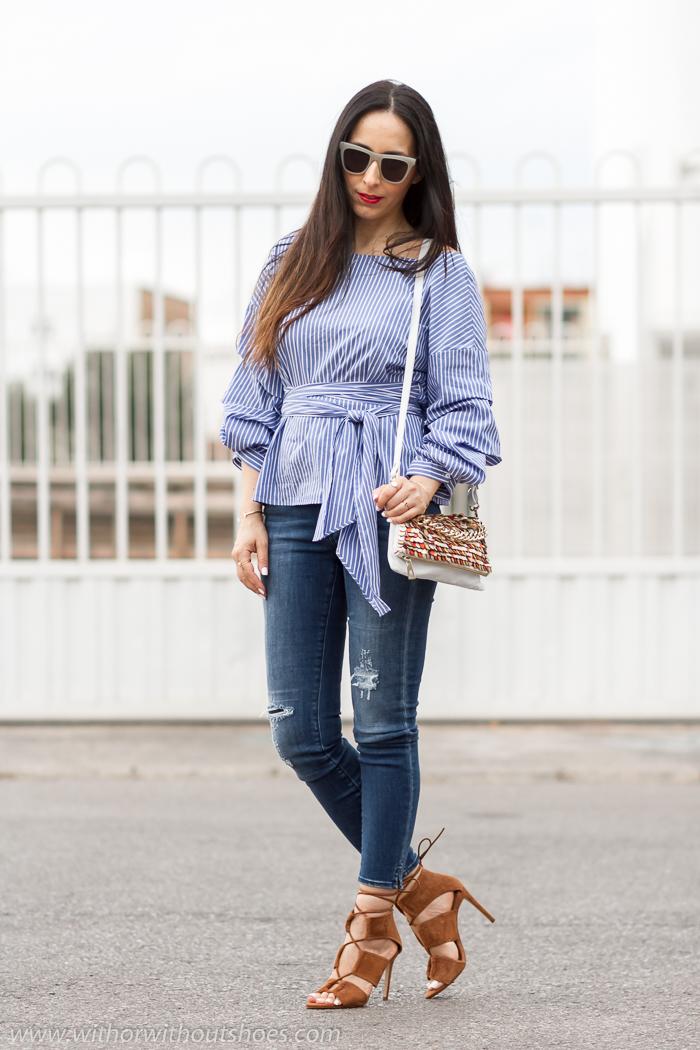 BLogger influencer de moda con ideas para vestir comoda con estilo y los jeans que mejor sientan