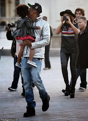 Photos: Jay Z, Beyonce and Blue Ivy go sight-seeing in Paris