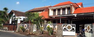 Rumah Dijual, Jl. Puntodewo 7 No. 10 Malang dengan luas tanah 200 m2, luas bangunan 300 m2, 7 kamar tidur, 4 kamar mandi. Sertifikat SHM.