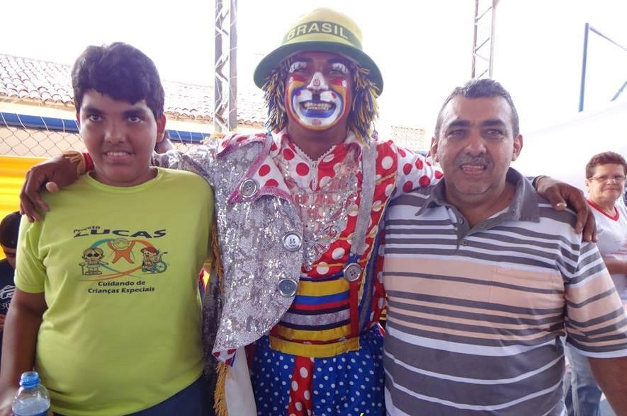 ... a 7ª festa para crianças e pessoas portadores de necessidades especiais  de Itapajé. O evento idealizado e realizado pelo empresário Luis de França,  ... 9d1845e343