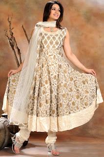 Индийская женская одежда: что выбрать, с чем носить?, Джодхпури,Индийская женская одежда: что выбрать, с чем носить? Камиз что такое, Анаркали что такое, Дупатта что такое, Джодхпури что такое, Кафтан-курта что такое, Курта что такое, Ленга-чоли (лехенга-чоли) что такое, Набор для шальвар-камиза что такое, Павада (или шайя) что такое, Патиала что такое, Сари что такое, Чоли что такое, Чуридар что такое, Чуридар-камиз (или чуридар-курта) что такое, Шальвар-камиз (сальвар-камиз) что такое, Шальвары что такое, Брассо (brasso) что такое, Как правильно надеть сари что такое, как ерчить индийскую одежду, национальная индийская одежда, национальная женская одежда, национальная одежда Индии, индийские женщины, красивая одежда в фолк стиле, Анаркали, Чуридар-камиз (или чуридар-курта), Курта, Набор для шальвар-камиза, Павада (или шайя), Чуридар, Патиала, Сари, Чоли, Кафтан-курта,Камиз,Дупатта,http://prazdnichnymir.ru/,Шальвар-камиз (сальвар-камиз),Шальвары,Брассо (brasso), национальная одежда, этнический стиль, индийская одежда, народный костюм, карнавальный костюм, новый год, карнавал, торжество, Индия,