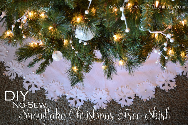 DIY No-Sew Christmas Tree Skirt wiht Felt Snowflakes