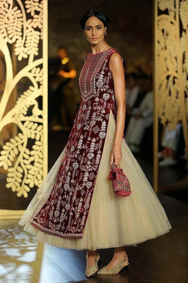 www.designersplanets.com/product-category/womens-fashion/womens-wear/indian-kurti/
