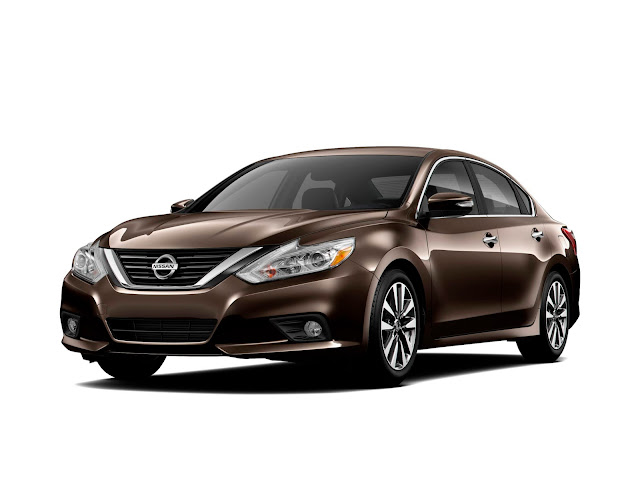 Front 3/4 view of 2016 Nissan Altima 2.5 SL
