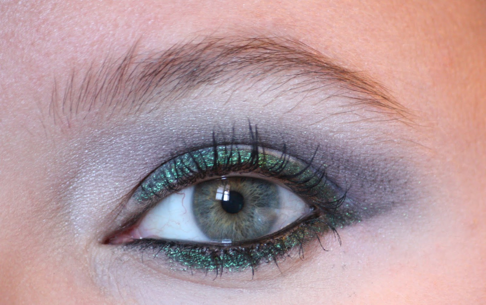 Die Zauberin Zebulon Malachite Eye Makeup In Collaboration With