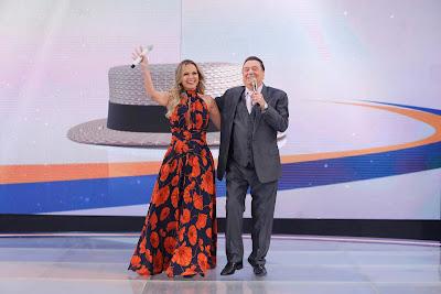 Eliana e Raul Gil (Crédito: Rodrigo Belentani/SBT)