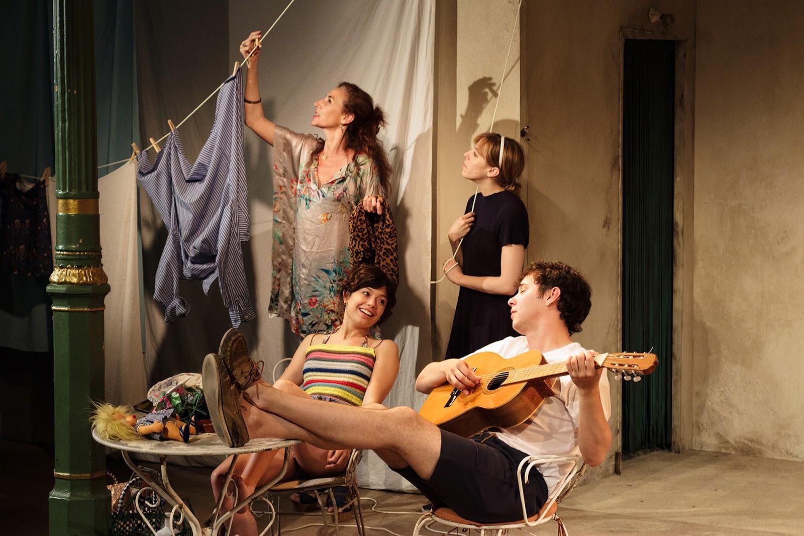 critica la pilarcita teatro lara madrid