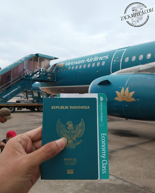 THE FIRST FLYING EXPERIENCE WITH VIETNAM AIRLINES