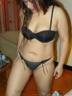 Asian Sex 4 You: Indonesian Hot MILF Tante Titiek Uncensored