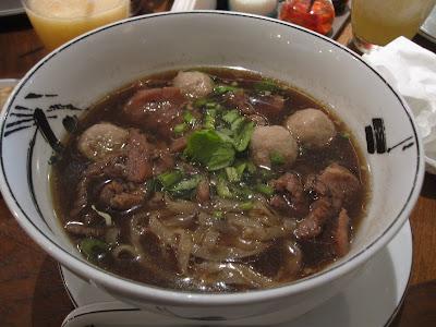 Bangkok, You & Mee, beef kuey teow