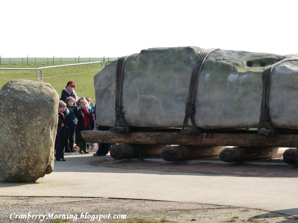 Stonehenge 4 stone