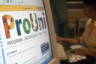 http://vnoticia.com.br/noticia/2862-prouni-oferece-174-mil-vagas-inscricoes-comecam-dia-26