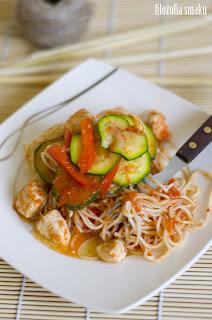Kurczak z warzywami i chili