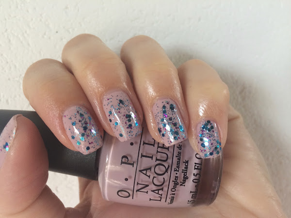 OPI - Steady as she rose & glitter