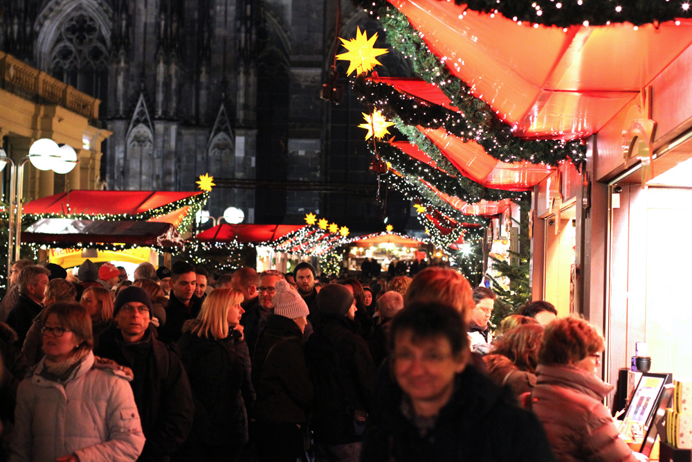 Koln Christmas market at night - travel & lifestyle blog
