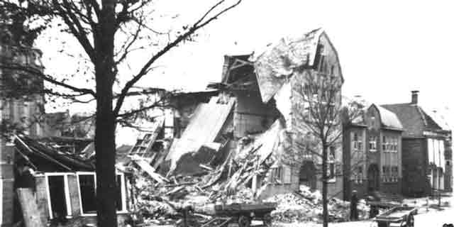 Harlingen bomb damage, 5 November 1941, worldwartwo.filminspector.com