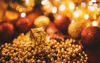 Wallpaper: Gold Christmas Gift