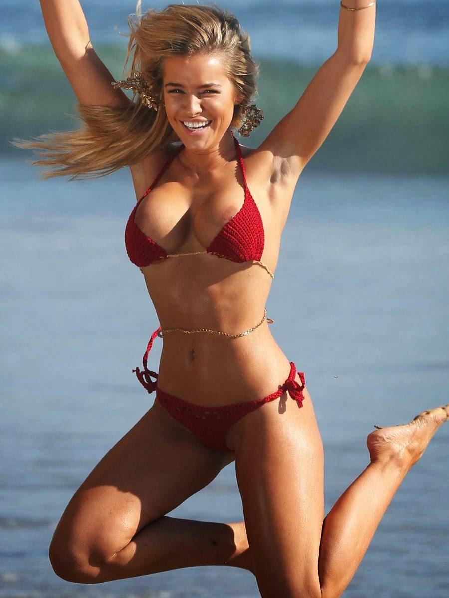 Keyara Bikini Photos With Nipple Slip From 138 Water