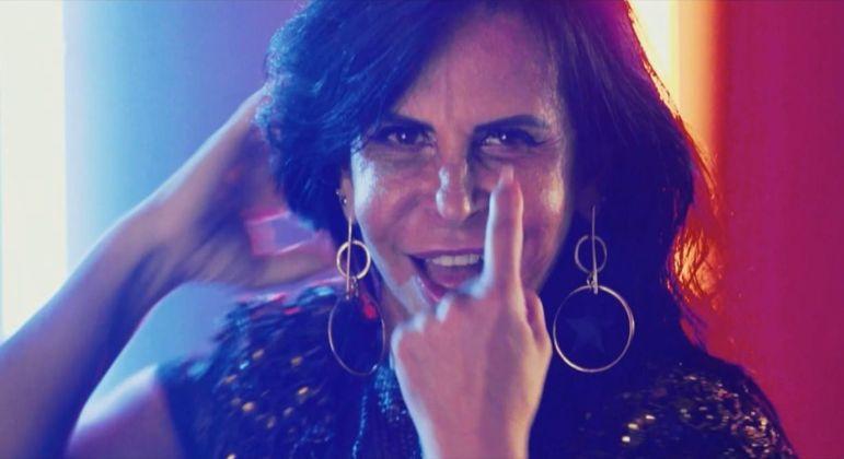 """Gretchen lança clipe """"Swish Swish"""" de Katy Perry e viraliza na internet com vários Gifs"""