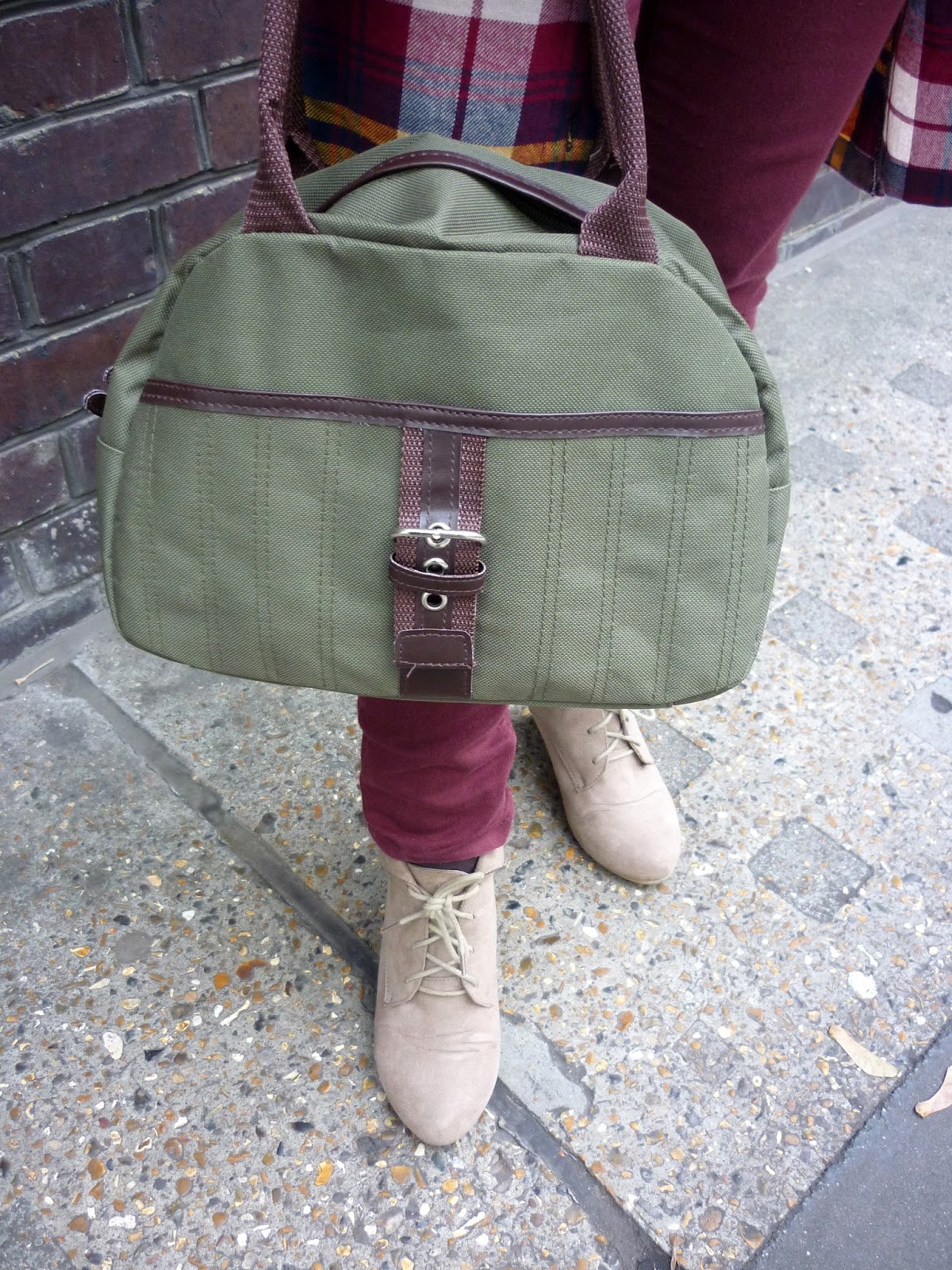 Green Handbag, Taupe New Look Ankle Boots   Petite Silver Vixen