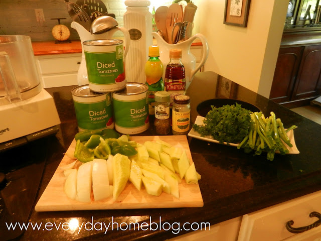 Easy No-Cook Gazpacho Soup Recipe by The Everyday Home #recipe #soup #cooking